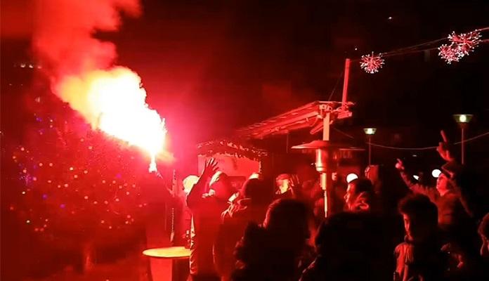 Crno-crvena noć Zimskih čarolija